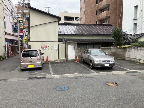 権堂月極駐車場